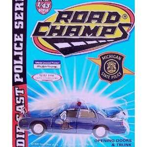 Road Champs 1998 Ford Crown Victoria Police Series Die Cast Car 143