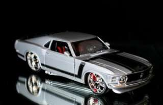 1970 Ford Mustang Boss 302 PRO RODZ Diecast 124 Scale   Silver MIB