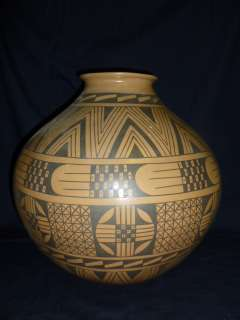 HUGE MUSEUM QUALITY MATA ORTIZ POTTERY VASE SIGNED JESUS PINA